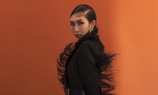 Thoát 'mác' Hoa hậu hiền hoà, Tường Linh gầy gò nhưng không kém phần bí ẩn, sắc lạnh trong hình ảnh mới