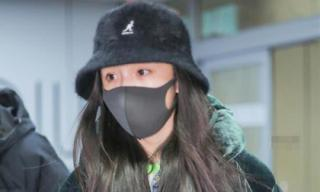 Dương Mịch kém sắc trong lần đầu tiên xuất hiện sau thông tin qua Hong Kong đón Tết cùng con gái