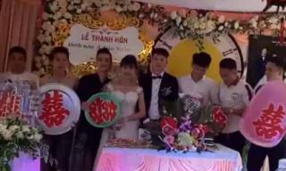 Quà cưới độc đáo nhưng rất thực tế của hội bạn thân dành cho cô dâu chú rể Nghệ An