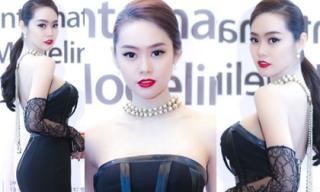 Á hậu Linh Chi khoe 3 vòng nóng bỏng trên thảm đỏ ở Hàn Quốc