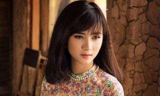 Kim Tuyến đẹp mặn mà trong tà áo dài
