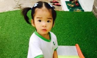 Con gái Xuân Lan bỡ ngỡ trong những ngày đầu đi học