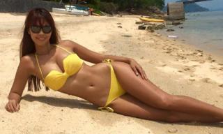 Hà Anh khoe đường cong nóng bỏng với bikini