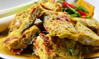 'Đã miệng' với món trứng chiên bằng lá chuối kiểu Thái