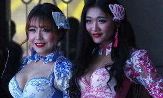 Chiêm ngưỡng những vòng 1 căng tròn tại cuộc thi 'Hoa hậu ngực đẹp'