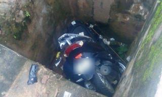 Đau xót thanh niên đi xe máy đâm thẳng xuống cống tử vong