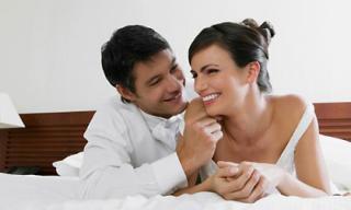 Đêm tân hôn của bác sĩ phụ khoa và gái trinh