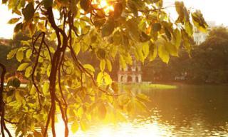 Ngắm Hà Nội thơ mộng, óng vàng mỗi chiều thu qua