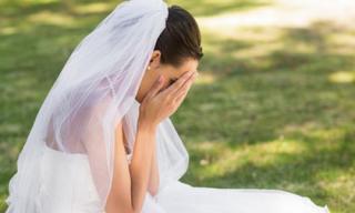 Người yêu cũ 'đội khăn tang' đến dự đám cưới tôi