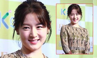 Lee Young Ae đẹp quý phái ở tuổi 44