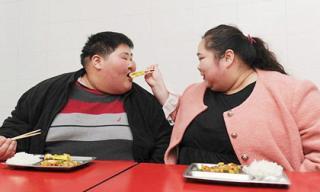 Cặp vợ chồng nặng gần 4 tạ nỗ lực giảm cân để có con