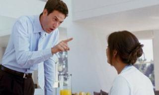 Muốn làm vợ khôn thì cô phải sống ngu đi!