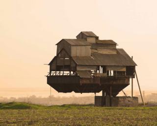 Những ngôi nhà độc đáo trên thế giới