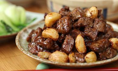 Thịt bò sốt tiêu tỏi: Lựa chọn ngon miệng cho bữa cơm gia đình