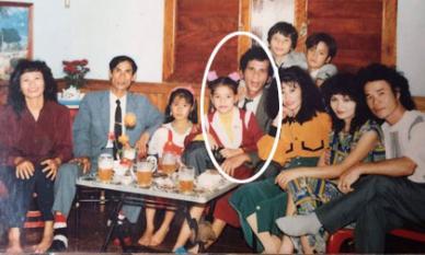 Khoe ảnh con gái cách đây gần 30 năm, mẹ Hà Hồ khen: 'Từ nhỏ mặt cô ấy đã sáng rồi'