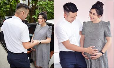 Bụng bầu 'vượt mặt', cựu thành viên Doremi - Ngọc Hiền được ông xã Việt kiều kè kè chăm sóc