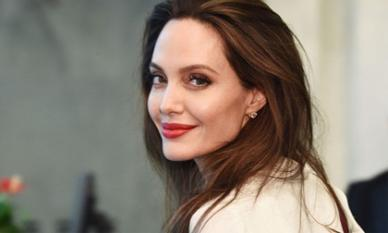 Sau ba năm ly thân với Brad Pitt, Angelina Jolie trở thành biên tập viên tạp chí Time