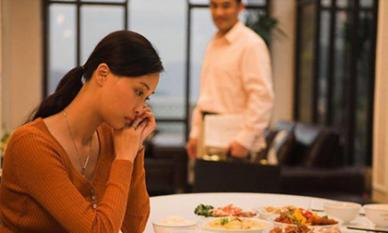 Lời xin lỗi gây sốt MXH của cô vợ lỡ tay tát chồng nhưng đàn ông lại cay đắng nhận ra sai lầm nghiêm trọng của chính mình