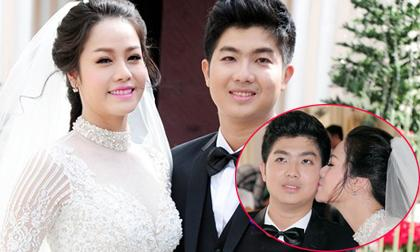 Cô dâu Nhật Kim Anh hôn chú rể đắm đuối ở nhà thờ