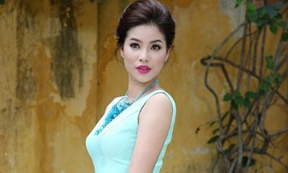 Hoa hậu Phạm Hương 'khác lạ' trong bộ ảnh mới