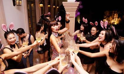 Hà Anh gợi cảm, uống rượu và nhảy múa trong tiệc chia tay thời độc thân