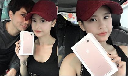 Tim lại 'giở trò' nịnh Trương Quỳnh Anh bằng Iphone 7