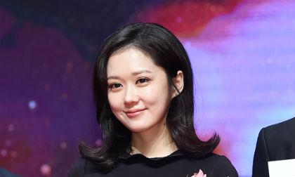 """Chết lịm trước vẻ đẹp """"baby"""" của U40 Jang Nara"""