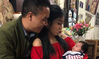 Chồng BTV Nguyễn Hoàng Linh đăng ảnh hạnh phúc bên vợ sau tin đồn 'đường ai nấy đi'