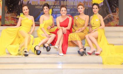NTK Oanh Phan thả ý tưởng chiều chuộng nhan sắc trong 'Sắc màu phương Đông'