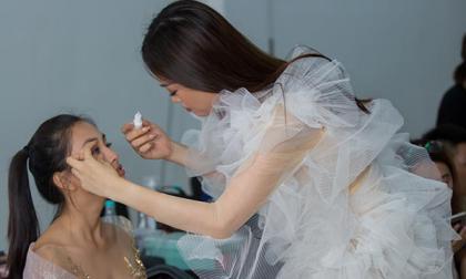 Bị đau mắt đỏ, Hoa hậu Tiểu Vy vẫn bất chấp đến buổi tổng duyệt