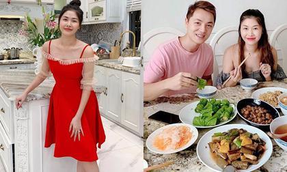 Bà xã Đăng Khôi khoe căn bếp sang xịn đúng chuẩn nhà giàu, bảo sao hot mom lại mê mẩn nấu ăn đến thế