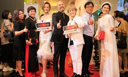 NTK Đức Hùng cùng dàn diễn viên, biên tập viên nổi bật trên thảm đỏ VTV Awards 2019