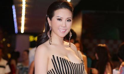 Hoa hậu Thu Hoài diện váy được kết từ gần 10.000 viên đá quý