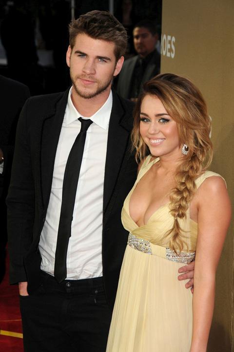Miley Cyrus,phổng phao,dao kéo,phẫu thuật,ca sĩ,diễn viên,Liam Hemsworth
