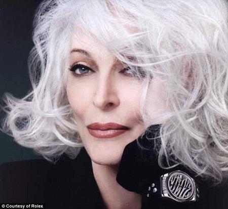 Siêu mẫu già nhất thế giới: 80 tuổi vẫn 'hot'