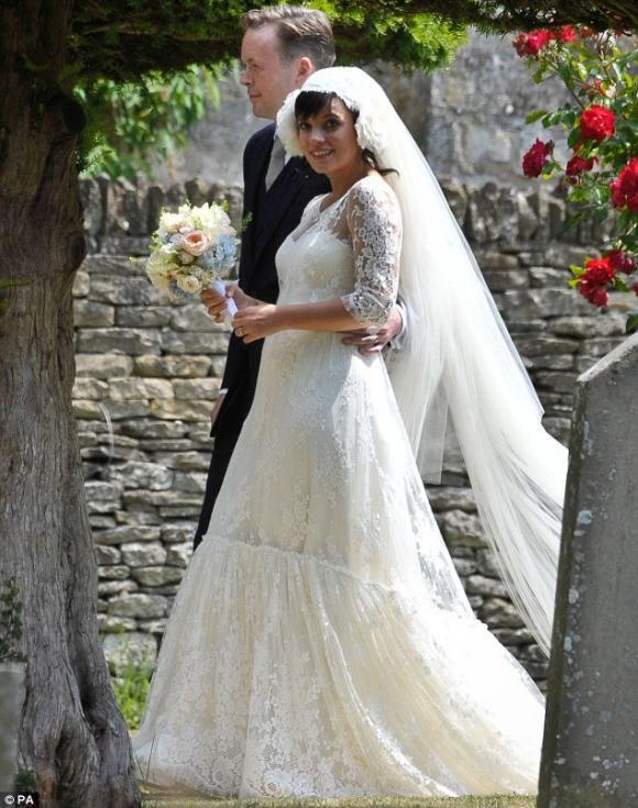 Lily Allen, lễ cưới của sao, Sam Cooper, chuyện cúa sao, ảnh cưới của sao.
