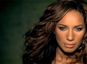 Leona Lewis,Quán quân X Factor,Dennis Jauch,sao Hollywood du lịch Hội An