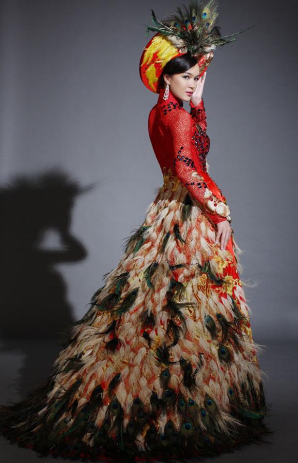 Trang phục dân tộc,hoa hậu,nhan sắc,áo dài,hoàng my,thúy vy,kiều khanh,chung thục quyên