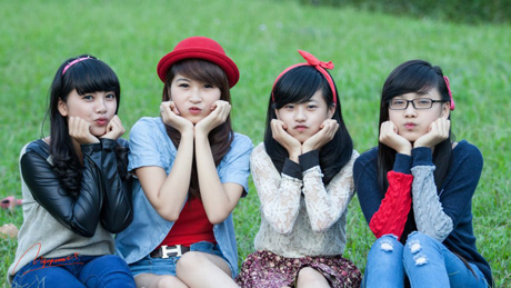 Tố Như và những cô bạn thân