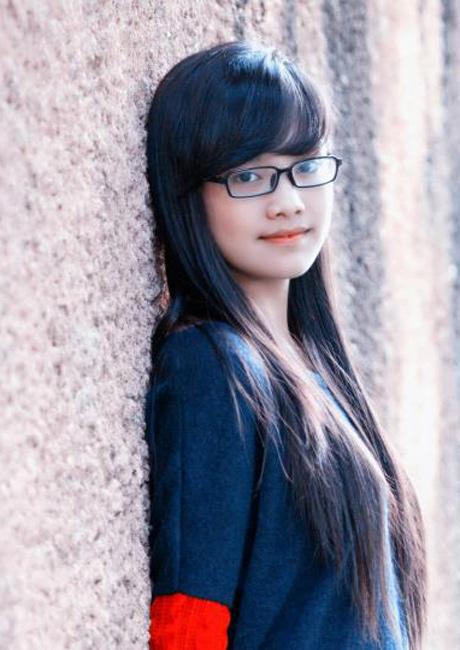 Cô học sinh chuyên Anh THPT Thái Nguyên ăn mặc giản dị