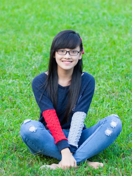 Vẻ đẹp không son phấn của hoa khôi Thái Nguyên 2012