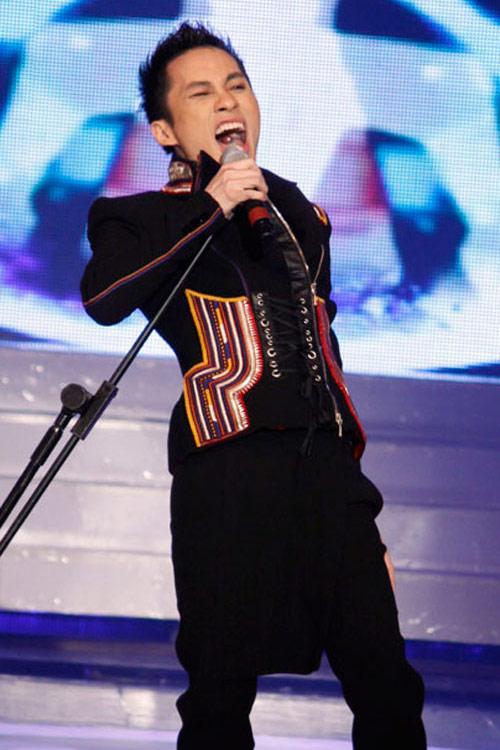 """Những ca sỹ """"quái"""" nhất showbiz Việt, Ca nhạc - MTV, Tung Duong, Nguyen Dinh Thanh Tam, Lieu Anh Tuan, Nhat Thu, ca sy, sao viet, quai, sao mai diem hen, liveshow, tin tuc"""