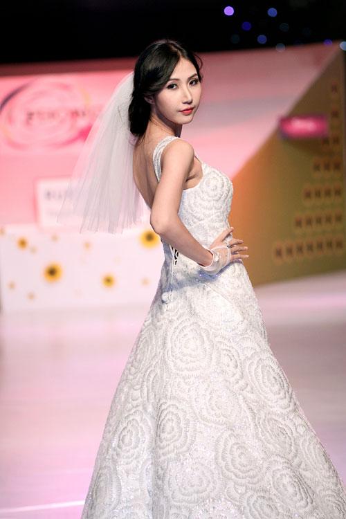 Thời trang áo cưới,váy cưới,bảo trân,lê hoàng bảo trân