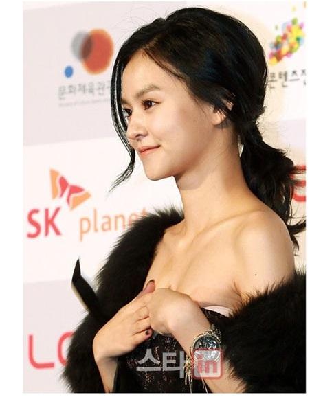 váy áo,thời trang,cười,sự cố,sao Hàn,Seo Hyo Rim,Jeon Hyo Sung,Woori