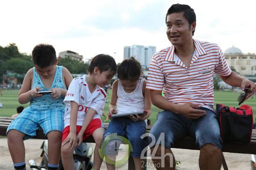 Hồng Sơn,danh thủ,cầu thủ,Thể Công,công chúa,thi đấu bóng đá,Trung tá,HLV trẻ,đi chợ