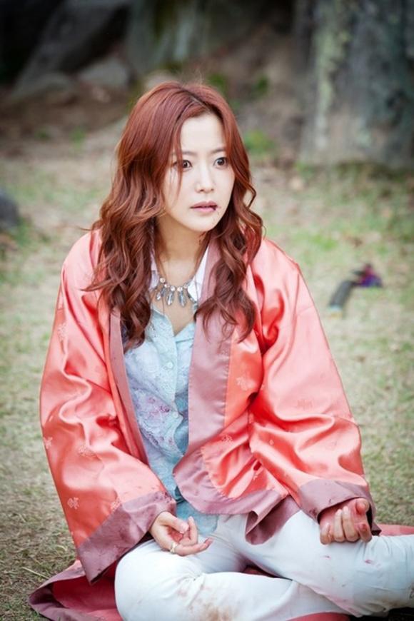 kim-hee-sun-chung-minh-dang-cap