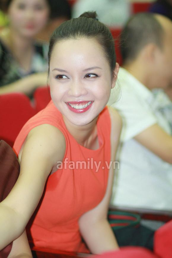 Hoa hậu,Hoa hậu Việt Nam 2012,bản sao Á hậu Ngọc Oanh