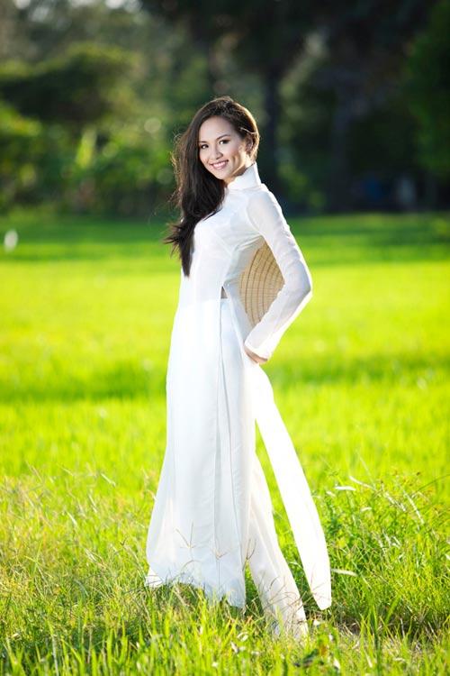 10 mỹ nhân mặc áo dài đẹp nhất showbiz - 1