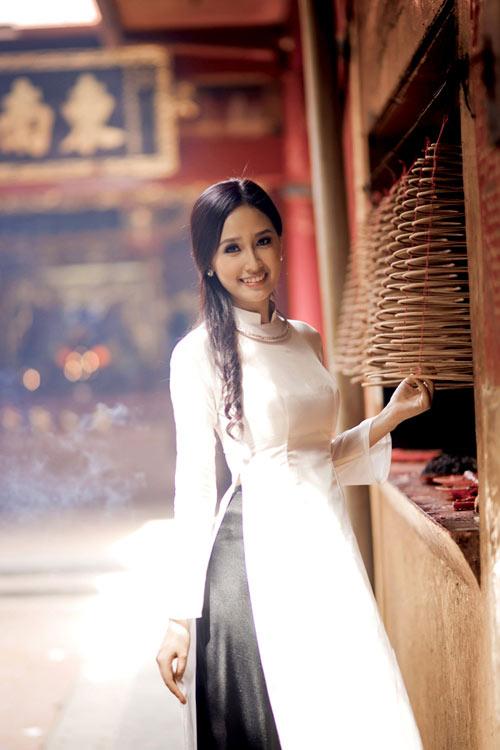 Mỹ nhân việt,Áo dài,Ngọc Trinh,Hoa hậu diễm hương,Mai Phương Thúy