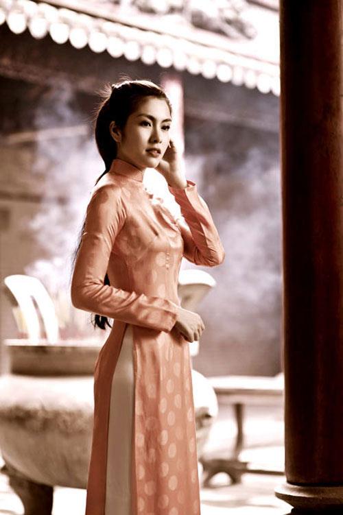 10 mỹ nhân mặc áo dài đẹp nhất showbiz - 4